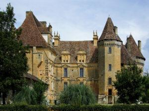Chateau-de-Lanquais-01
