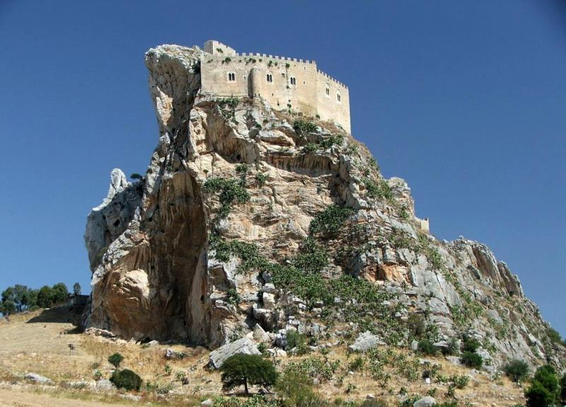 caltanissetta-castello-mussomeli