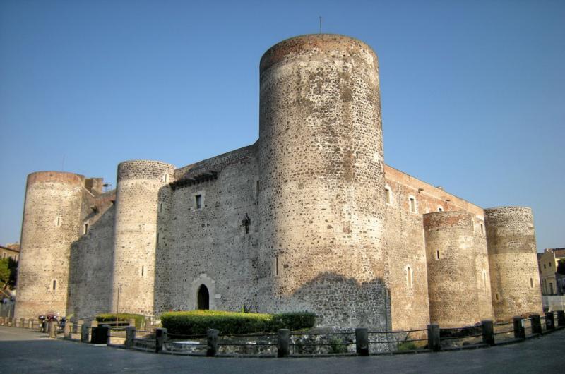 catania-castello-ursino